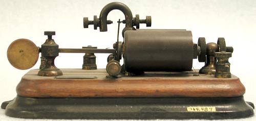 Antiguo relé de telegrafía
